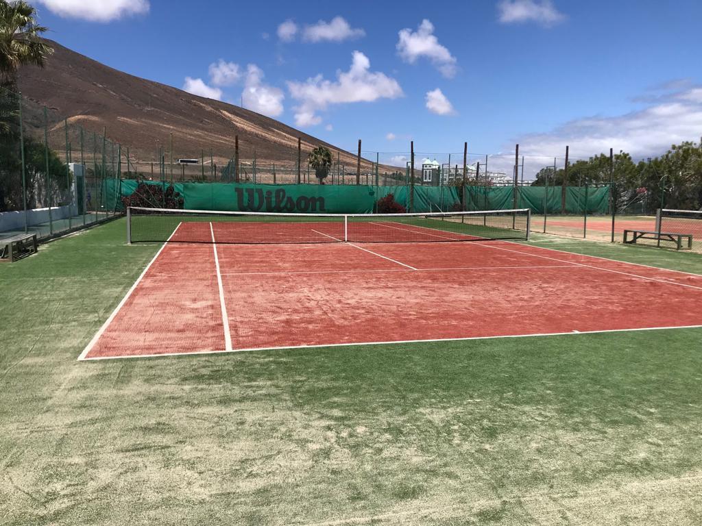 pista-tenis-hotel-aldiana